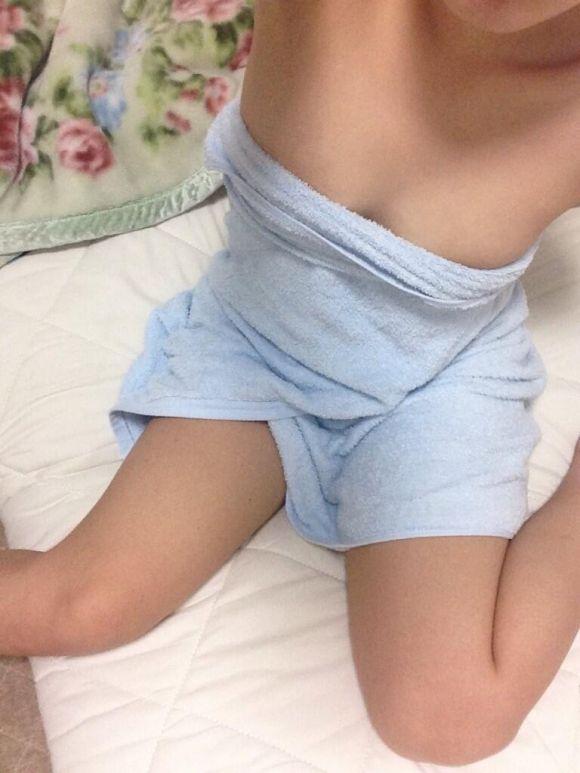 【女神様】今夜のオナネタにお風呂上がりの素人女子の裸をあげちゃうよ!wwwwwww【画像30枚】11_201906101709070ea.jpg