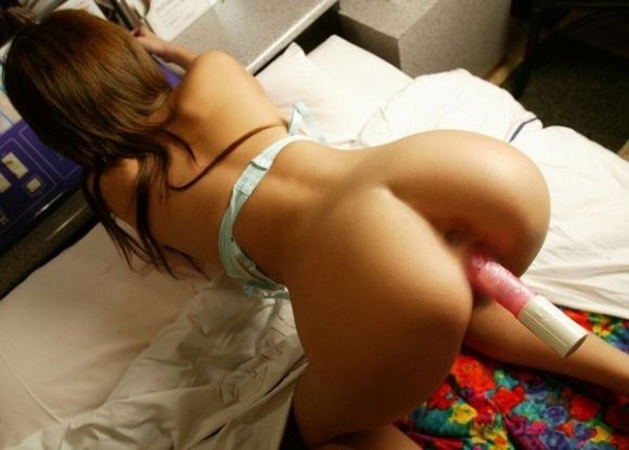 太いバイブでオナニーしてる女の子がくっそエロいwwwwwww【画像30枚】11_20190709023533487.jpg
