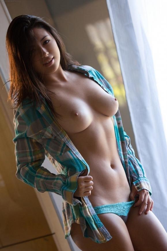 【おっぱい】まるでビーナス!美しすぎる裸体を持つ美女のおっぱいに目が釘付け!wwwwwww【画像30枚】11_20191116221521ac1.jpg