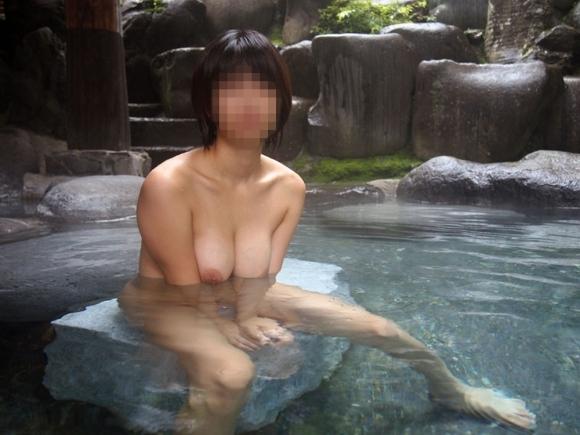 【おっぱい】温泉に浸かってるおっぱいに和の心を感じるwwwwwww【画像30枚】12_20181204201213126.jpg