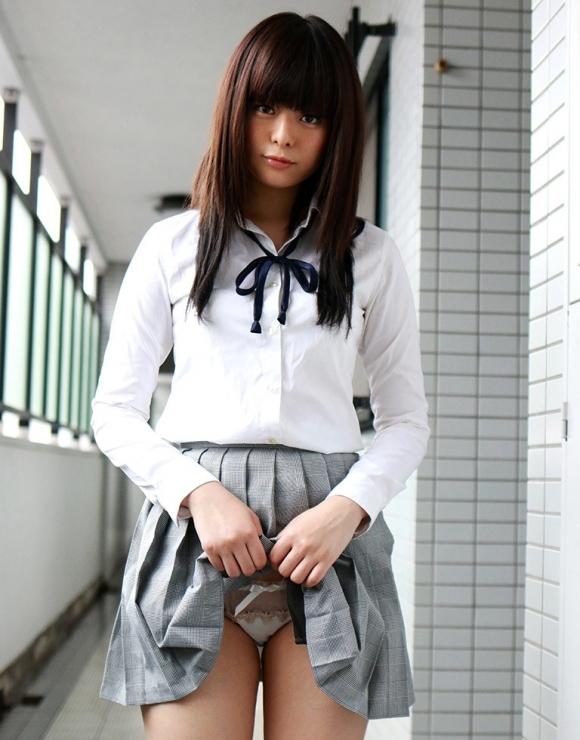 【女子校生】JKのくせに自分からパンチラさせてくる女の子ってなんなん?wwwwwww【画像30枚】12_20190503011506740.jpg
