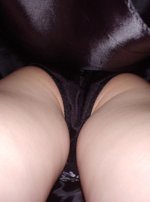 短いスカート履いてる女の子見ると下から見上げてパンチラ見たくなっちゃうwwwwwww【画像30枚】12_20190929145159a68.jpg
