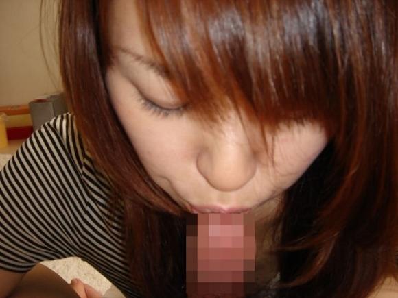 【流出画像】貴重すぎる!素人女子のフェラチオ姿を晒されてこの先普通に生きていけるのかが心配になるwwwwwww【画像30枚】12_201910121137096a7.jpg