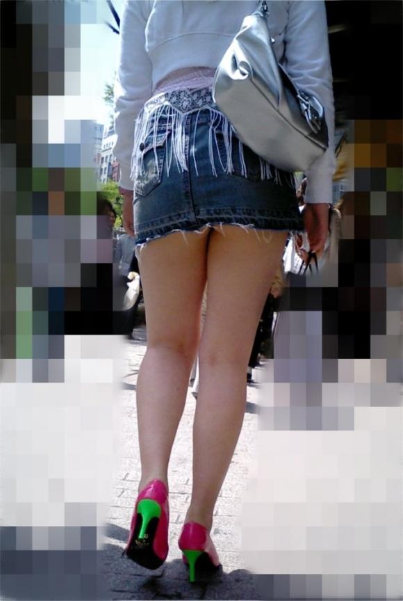 尻肉ハミ出る服で外出しちゃう最近の女の子の感覚ってどうなってるの?wwwwwww【画像30枚】13_201901021104121f0.jpg