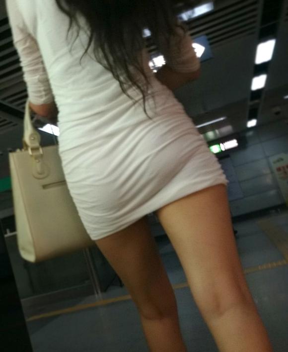 おしりって裸よりも着衣の方がエロいなぁ〜って感じる画像wwwwwww【画像30枚】13_2019011201185308e.jpg