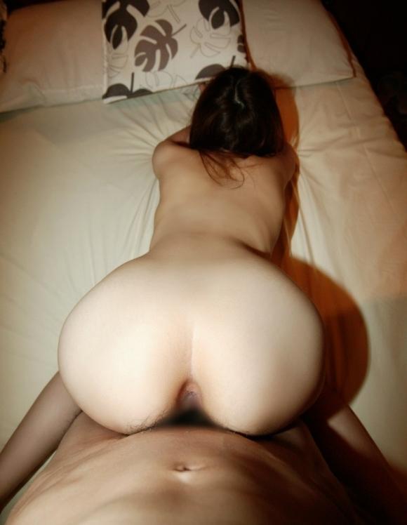 おしり好きにはたまらないバックセックスの時のヒップラインwwwwwww【画像30枚】13_20190331023711ab9.jpg