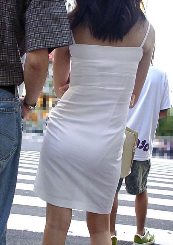 【着衣】暑くなってきてパンツも透けちゃう薄着の女の子が多くなったwwwwwww【画像30枚】13_20190526012133d04.jpg