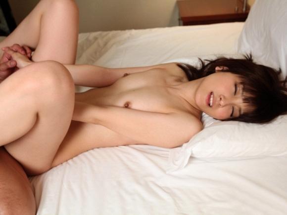 おっぱいが小さい女の子とセックスすると全然揺れないのなwwwwwww13_20190605002607cb0.jpg