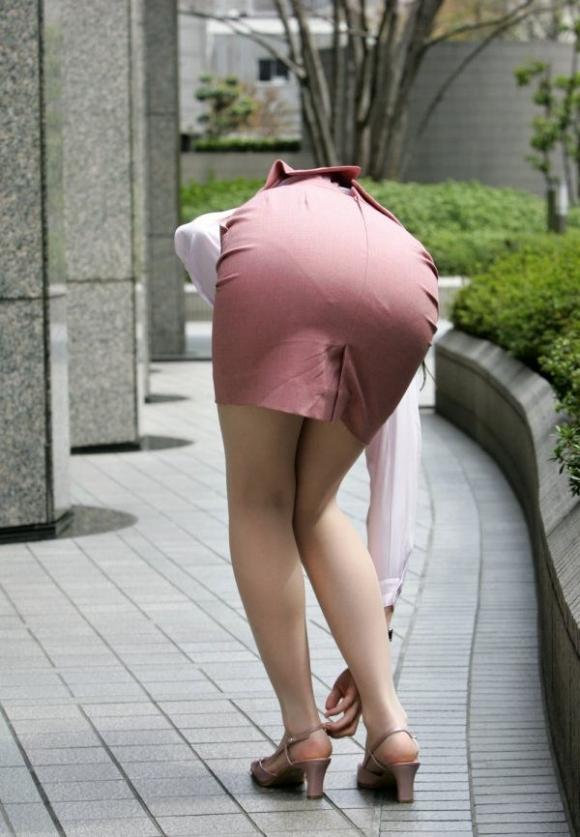OLさんのタイトスカートってくっそエロくてたまんねぇなぁwwwwwww【画像30枚】13_20190730011016c68.jpg