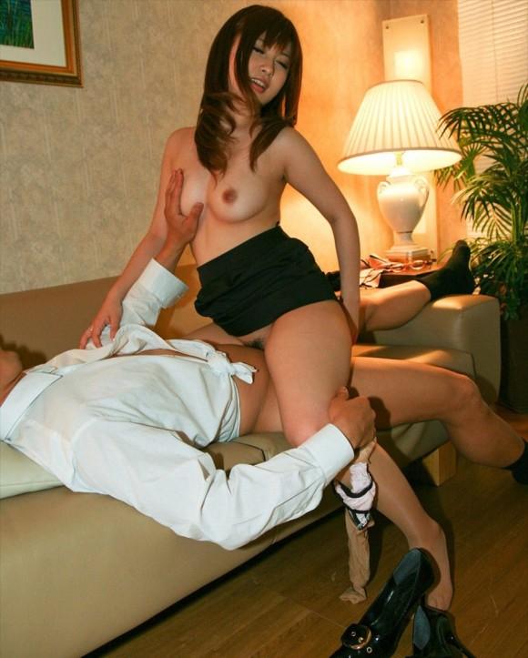 【セックス】ベッド以外のところでセックスしてる男女が羨しく思えるwwwwwww【画像30枚】13_20200203233026678.jpg