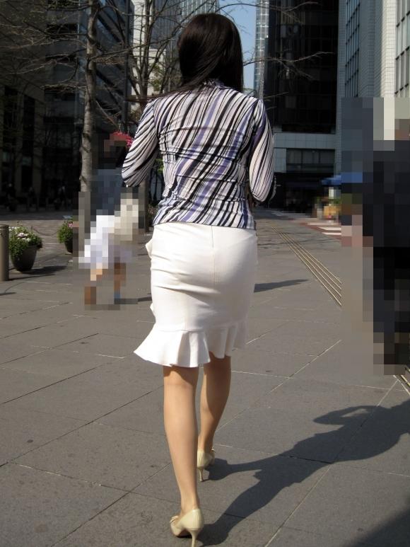 OLさんのタイトスカートがくっそエロいwwwwwww【画像30枚】14_201811061719180c8.jpg
