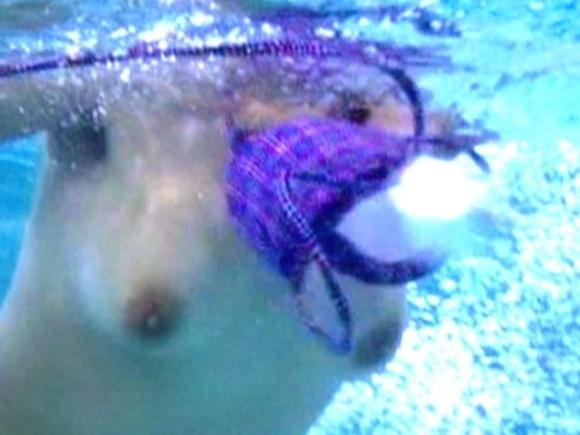 【水中画像】水の中に漂ってる女の子の体がくっそエロいwwwwwww【画像30枚】14_2019071700522366d.jpg