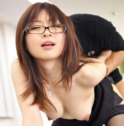 真面目そうなメガネっ子女子のエロい姿に興奮してくる不思議な感覚wwwwwww【画像30枚】14_2020010822423669d.jpg