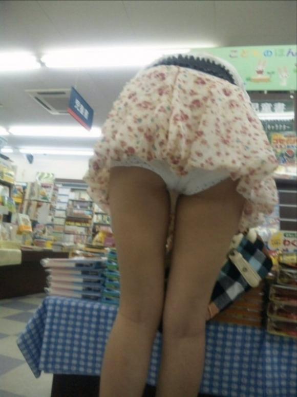 スカート短い女の子見ると下からパンツ見たくなってたまらなくなるwwwwwww【画像30枚】15_20190325002520704.jpg