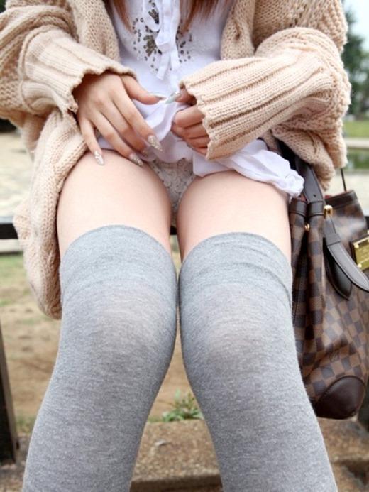 可愛い女の子が自分からパンツ見せてくれたら嬉しくてたまらないwwwwwww【画像30枚】15_20190330023633d54.jpg