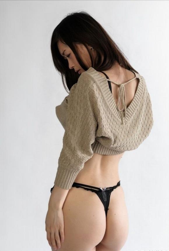 脱がせた女の子が黒のTバックを履いてたら興奮するよな?wwwwwww【画像30枚】16_201810230131250f5.jpg