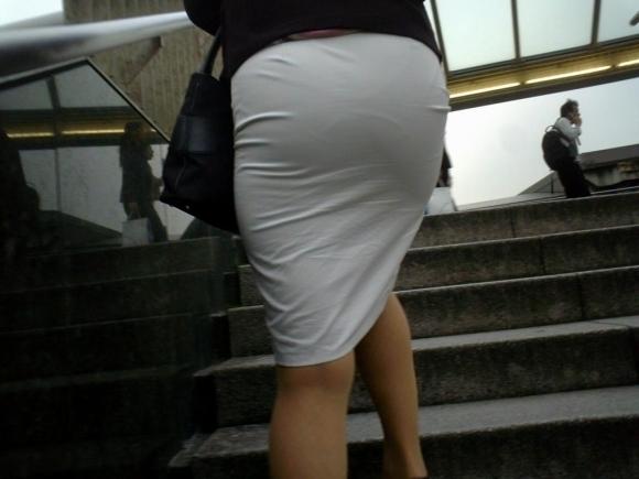 【着衣】暑くなってきてパンツも透けちゃう薄着の女の子が多くなったwwwwwww【画像30枚】16_20190526012138e8d.jpg