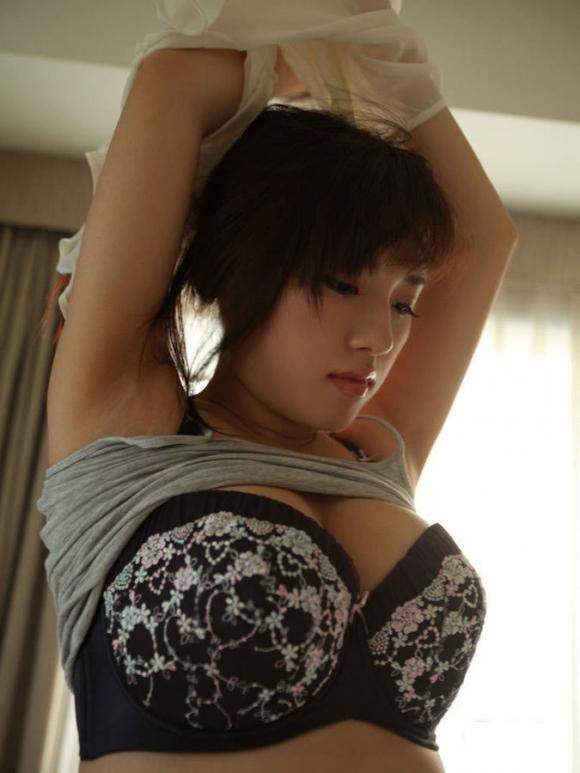 自分の服を脱いでる女の子がエロくてたまらないwwwwwww【画像30枚】17_201906092214194fa.jpg