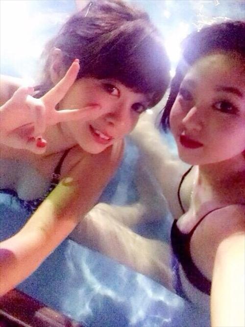 夏の夜に素人女子の水着姿を拝めるナイトプールに行かない手はない!wwwwwww【画像30枚】17_2019061801153450c.jpg