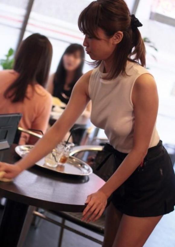 【ノーブラ】ブラジャーなしでいると乳首ポッチしちゃう危険性が高まるwwwwwww【画像30枚】17_20191028131939e36.jpg