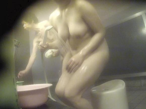 【盗撮】女湯に設置された盗撮カメラからの収穫wwwwwww【画像30枚】18_20180927162138f90.jpg
