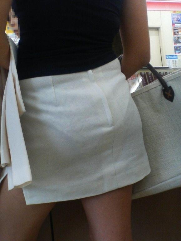 パンツ透けてる状態で外出歩く女の子の神経wwwwwww【画像30枚】18_201810181558244b2.jpg
