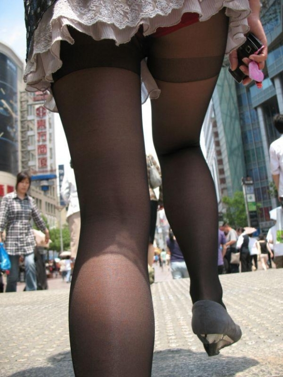 スカート短い女の子見ると下からパンツ見たくなってたまらなくなるwwwwwww【画像30枚】18_20190325002524576.jpg