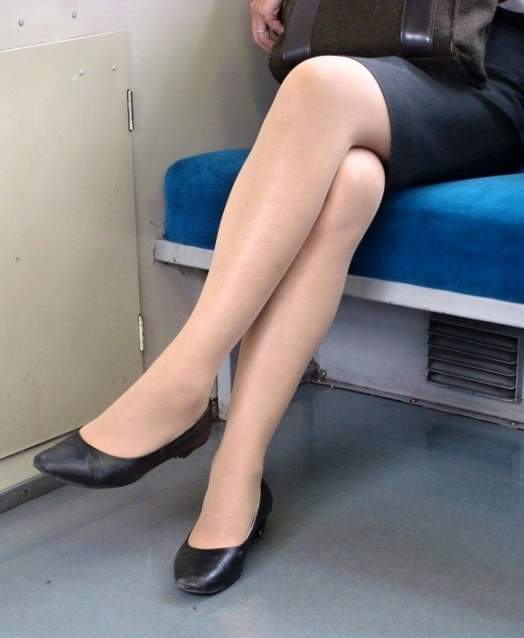 見れたらクソラッキーな素人のエロい脚wwwwwww【画像30枚】18_20190409014015271.jpg