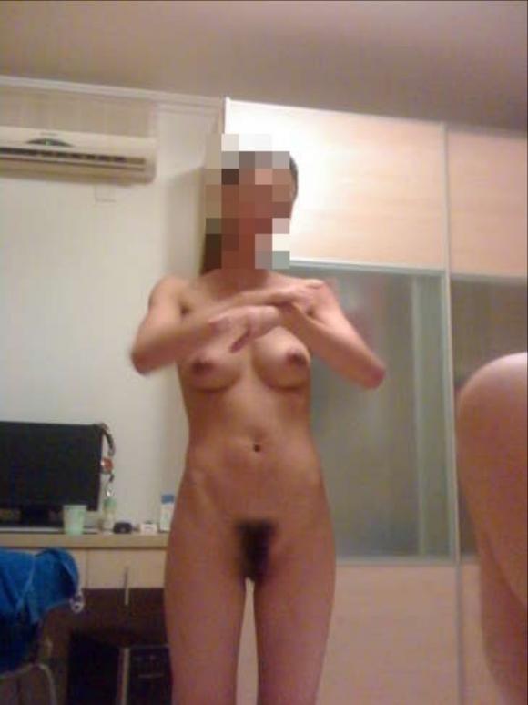 こういうだらしなさが魅力的な素人の裸でオナニーしたいwwwwwww【画像30枚】18_20190706014135cb4.jpg