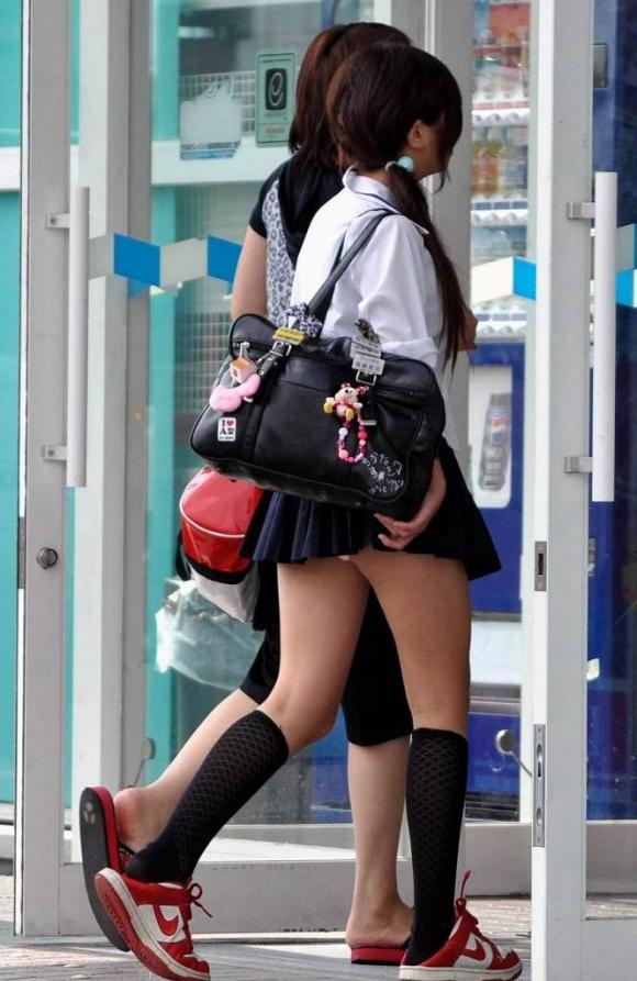 【女子校生】JKのパンツが見れたら自然と元気が出てくるヤツ多いんじゃね?wwwwwww【画像30枚】18_20190805234256ac1.jpg