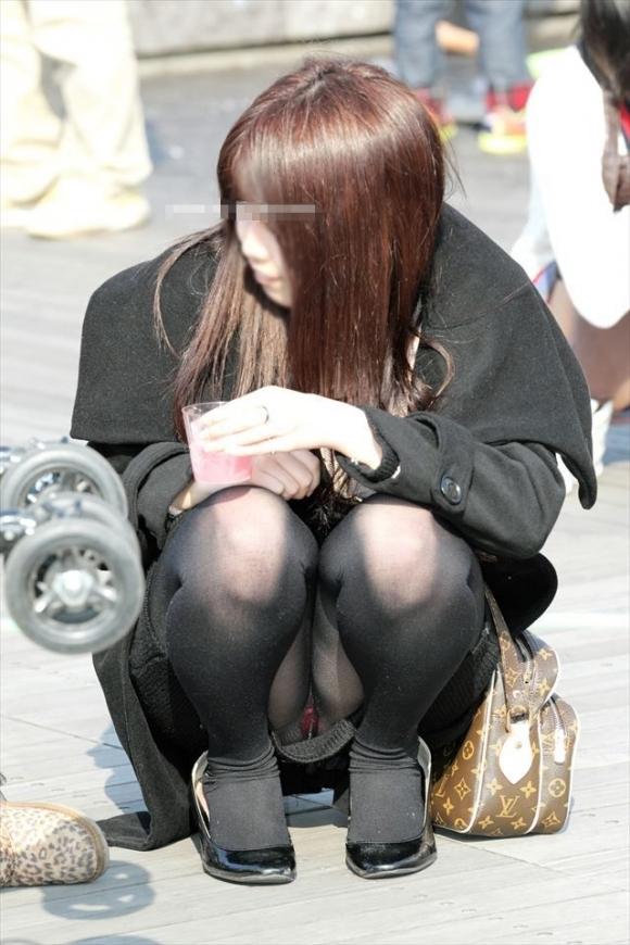 暑い日にはレアすぎる黒パンストパンチラがくっそエロいwwwwwww【画像30枚】18_2019082514294454a.jpg