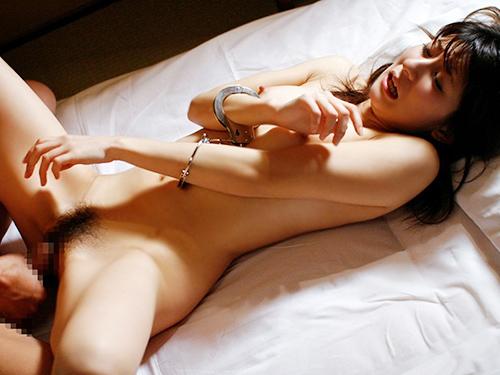 【SM入門】ガッシガシに女の子を縛り上げてエロいイタズラするのって意外と興奮すっぞwwwwwww【画像30枚】18_202001212204187da.jpg