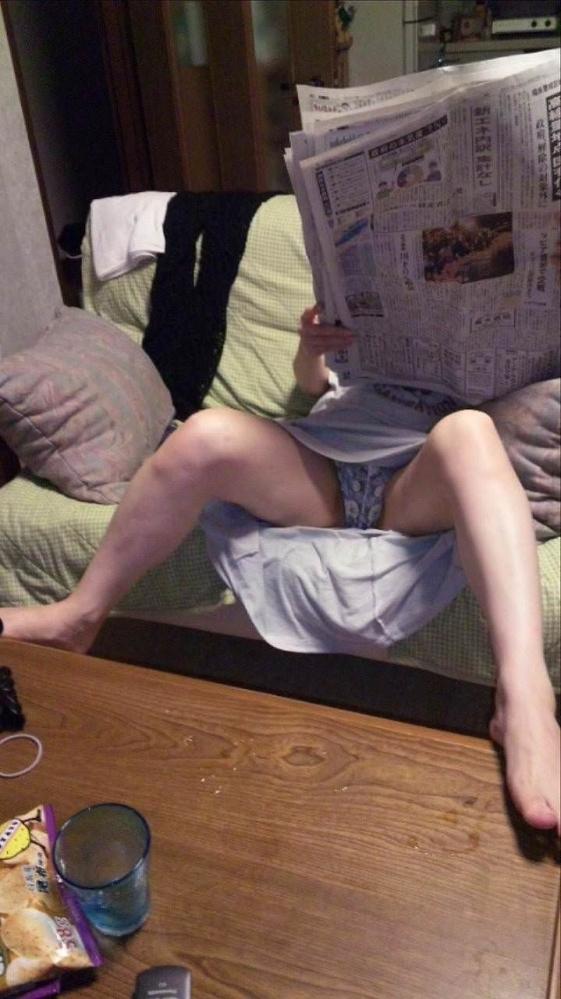【家庭内盗撮】女の子の家の中の姿を盗み見できるって幸せだなぁぁぁwwwwwww【画像30枚】19_20190310224737085.jpg