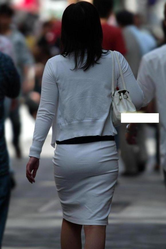 【着衣】暑くなってきてパンツも透けちゃう薄着の女の子が多くなったwwwwwww【画像30枚】19_20190526012142ebe.jpg