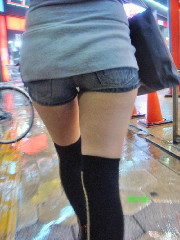 エロい下半身を晒して街を歩いてる女の子多すぎwwwwwww【画像30枚】19_20190625142412000.jpg