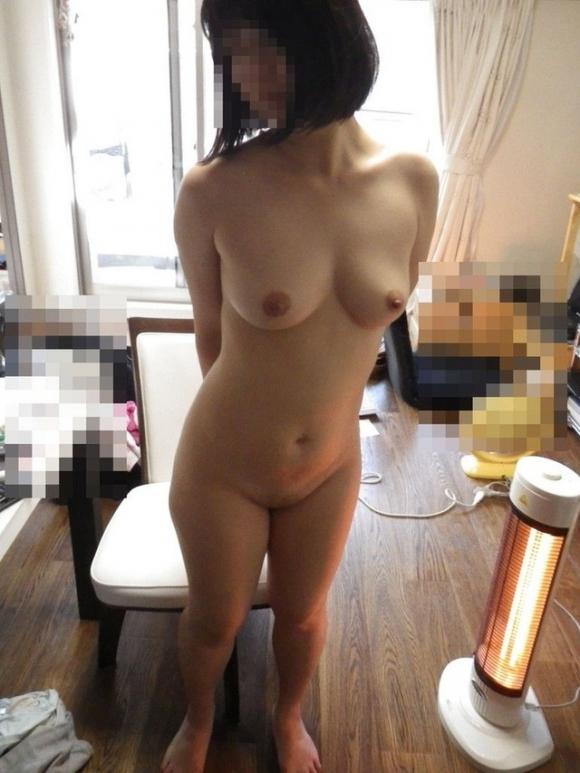 こういうだらしなさが魅力的な素人の裸でオナニーしたいwwwwwww【画像30枚】19_20190706014136422.jpg