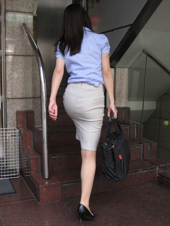 OLさんのタイトスカートってくっそエロくてたまんねぇなぁwwwwwww【画像30枚】19_201907300110250e9.jpg