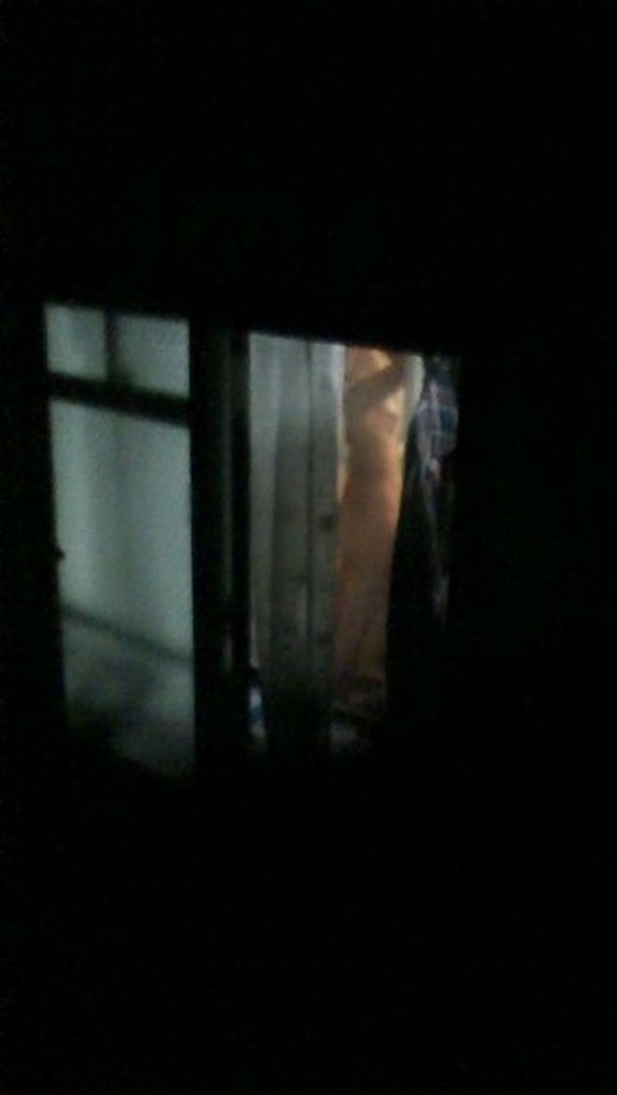 【民家盗撮】普通の家の窓から盗み撮りした女の子の裸がコレwwwwwww【画像30枚】20_20180921223046929.jpg