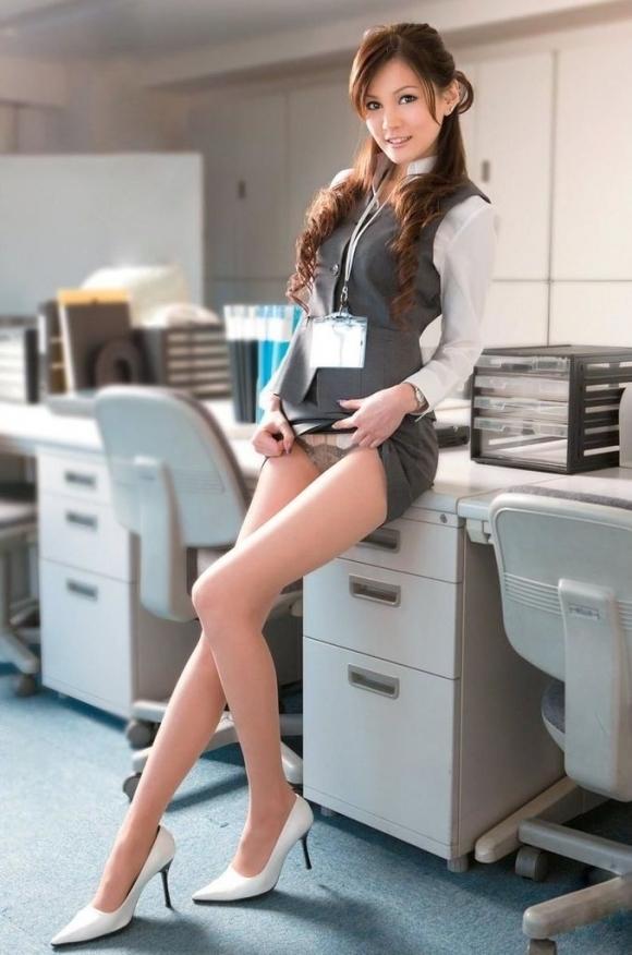 エロいOLさんが働いている職場なら毎日仕事がんばれそうwwwwwww【画像30枚】20_201901190145097a3.jpg