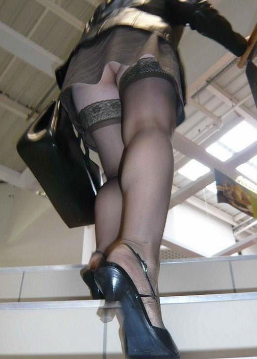 スカート短い女の子見ると下からパンツ見たくなってたまらなくなるwwwwwww【画像30枚】20_201903250025275ef.jpg