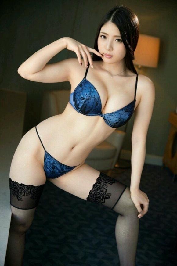 【ランジェリー】カワイイ女の子の下着姿ってホント貴重だし素晴らしいと思うwwwwwww【画像30枚】20_20190414021101b4d.jpg