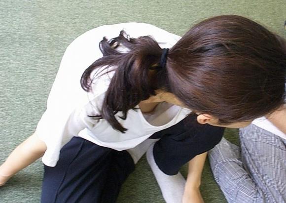 【浮きブラ盗み撮り】おっぱいが小さい女の子は大抵乳首が見えちゃってる件wwwwwww【画像30枚】20_20190419012608640.jpg