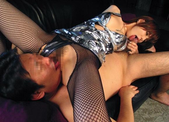 男女が性器を舐め合うシックスナインが最高wwwwwww【画像30枚】20_20190419014409d26.jpg