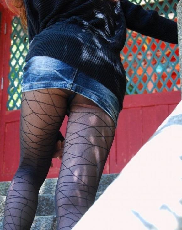 エロい脚に網タイツが加わるとこうなるwwwwwww【画像30枚】20_20190625132306fe0.jpg