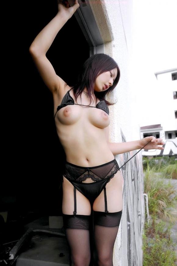 黒いランジェリーを着てる女の子がセクシーすぎる!【画像30枚】20_20190630151251813.jpg