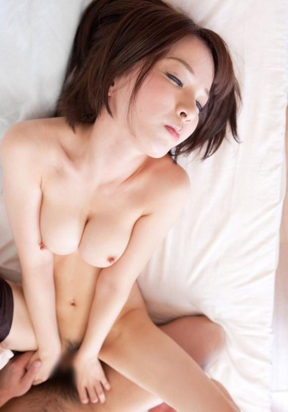 日本人が大好きなジャストサイズおっぱいwwwwwww【画像30枚】20_20190714234705fa0.jpg