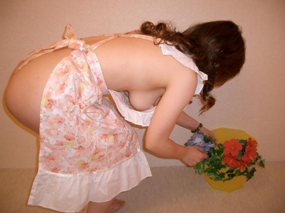 素人女子の裸エプロン画像がエロすぎて即彼女にやらせたいwwwwwww【画像30枚】21_20181031035558237.jpg