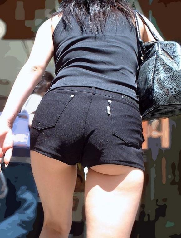 尻肉ハミ出る服で外出しちゃう最近の女の子の感覚ってどうなってるの?wwwwwww【画像30枚】21_20190102110504260.jpg