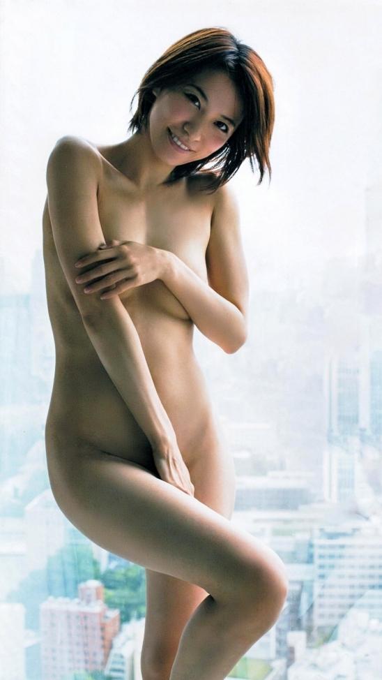 【おっぱい】ブラジャーよりも裸よりも素晴らしい手ブラの世界wwwwwww【画像30枚】21_2019041701212341f.jpg