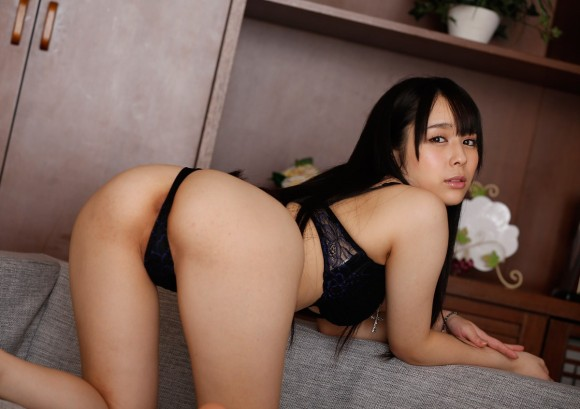 黒いランジェリーを着てる女の子がセクシーすぎる!【画像30枚】21_201906301514043bf.jpg